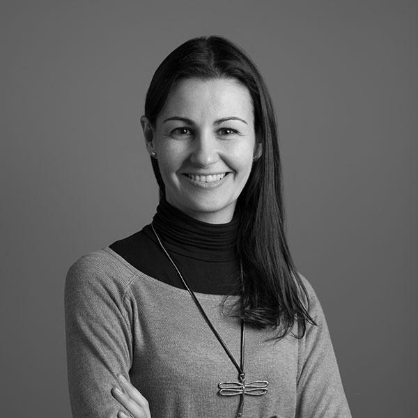 Ingrid Tena Adjunta gerencia