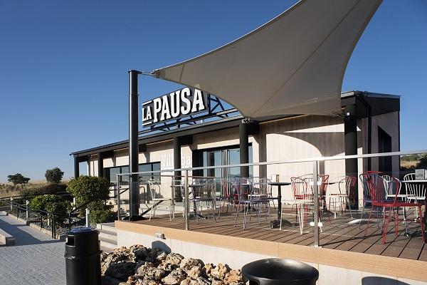 Entrada cafeteria AREAS, La PAUSA 2