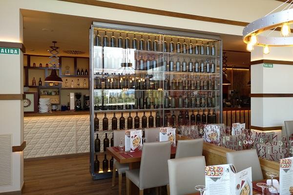 Inside the restaurant la Tagliatella in Olaz_Valle de Egües_Navarra